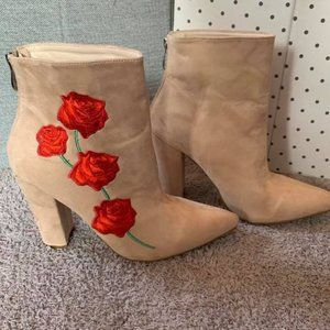 NWOT Rose Embroidered Suede Booties 10